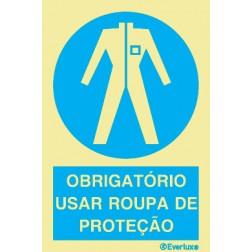 OBRIGATÓRIO USAR ROUPA DE PROTEÇÃO